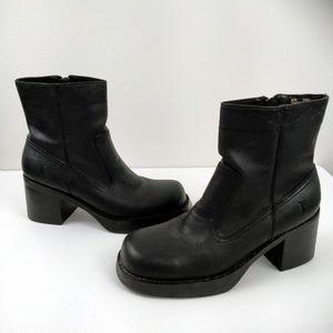 Frye Black Villager Zip Stitch Short Boots 8.5